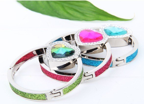 Fashion Bracelet Bag Hanger for Women and Girl